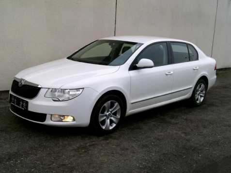 Škoda Superb sedan 77kW nafta 2011